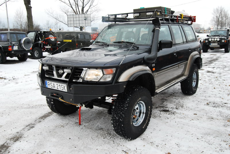 Nissan Patrol Y61 4.2 D Expedition – navy