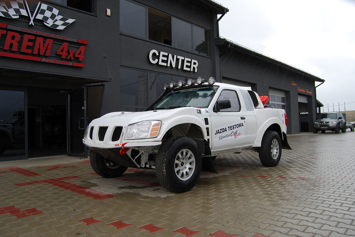 Nissan Navara MonsterCat Rally